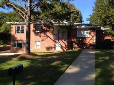 Photo for 3rd night free, walk to Campus,3 Br,3 Bath,2 Seperate Living Areas, weekly dis