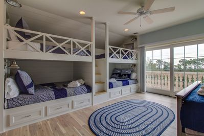 Newly remodeled 7 Bedroom Home With Ocean View and Elevator - Hilton Head  Island