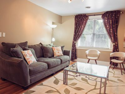 Photo for Delightful, Cozy Upper Flat in Plymouth, Michigan