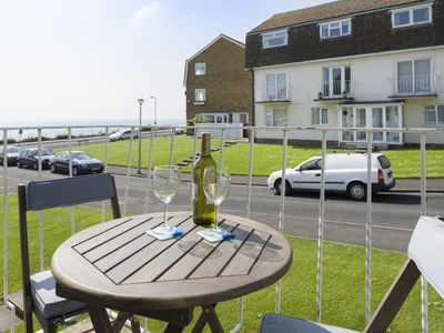 Photo for Seafront flat with seaviews from every room and a sunny breakfast balcony