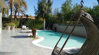 Photo for Charming Villa with a Private pool - 10min from city centre