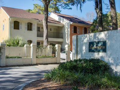 Photo for 2Br/2Ba Beckenham Villa Walking Distance To Westin Resort And Beach Access