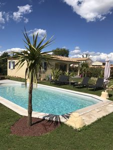 Photo for Mas with pool in Provence for 5 people between Lubéron and Alpilles