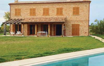 Photo for 5 bedroom accommodation in Montemarciano (AN)