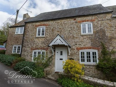 Photo for THE OLD READING ROOM, pet friendly in Langton Herring, Ref 994488