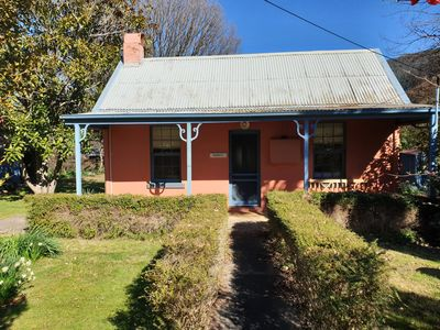 Photo for Redruth - 2 bedroom cottage situated in wandiligong