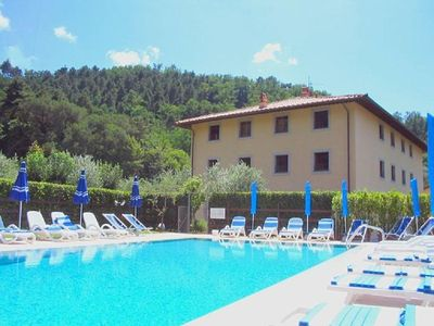 Photo for Holiday apartment Quiesa la Piaggetta for 5 persons with 3 bedrooms - Holiday apartment in a villa