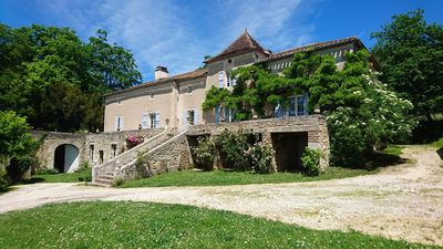 Photo for Mansion of the XVIII and XIXème century in the heart of the vineyard of Cahors