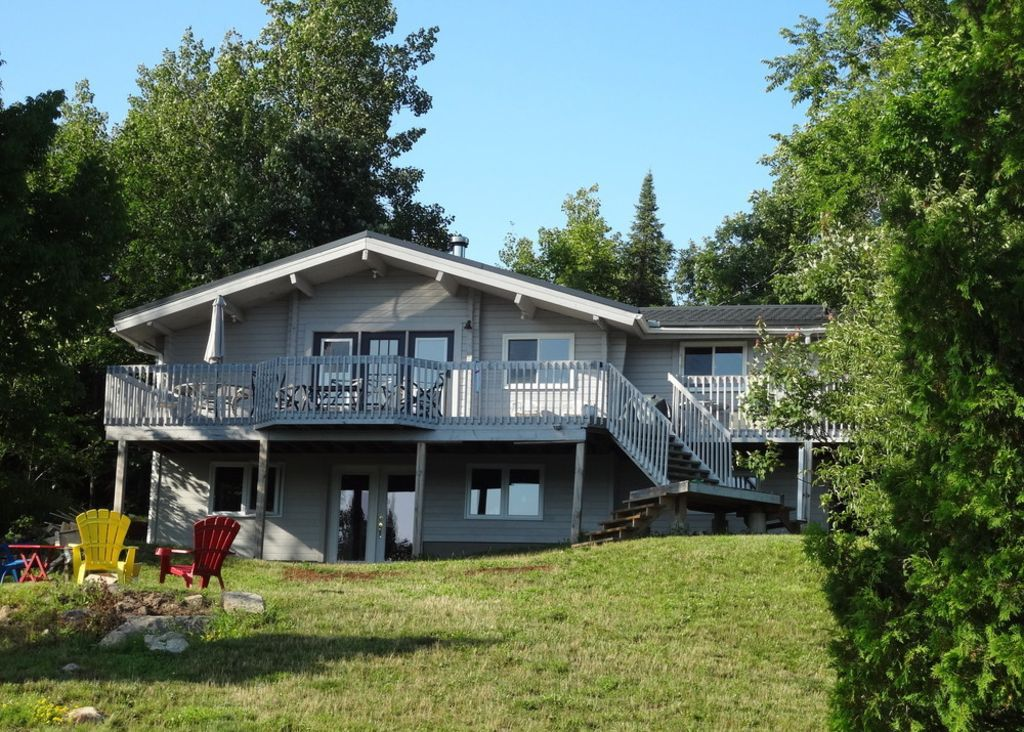 Family waterfront cottage mckellar ontario 3 br for Cottage floor plans ontario