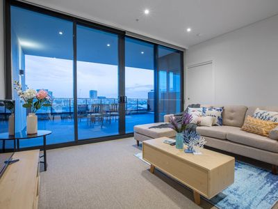 Photo for Magnificent waterview - Stylish waterfront Apt