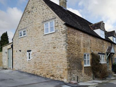 Photo for 3 bedroom property in Chipping Campden. Pet friendly.