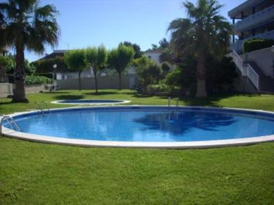 Photo for Large terrace, with garden. Pool and near the beach