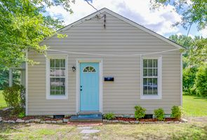 Photo for 1BR House Vacation Rental in Highland Springs, Virginia