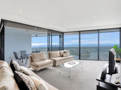 Photo for Circle on Cavill - 1 Bedroom Hinterland - 2 night - 1395 - Newly furnished with hinterland view apartment