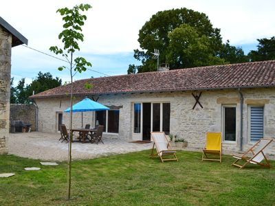 Photo for La Motte, pretty cottage in the countryside and swimming pool for 6 people