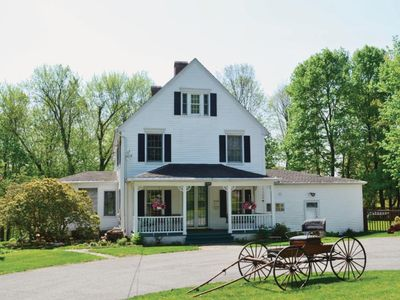CHARMING CONNECTICUT HOUSE!  Gateway to New England. In  foothills of Berkshires