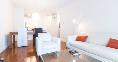 Clean Downtown Condo, Near Metro, Groceries, Chinatown, Wi-fi, Restos, Shops, Mall
