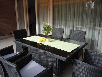 Photo for Sunny duplex apartment with patio, direct access to the garden and the outdoor p