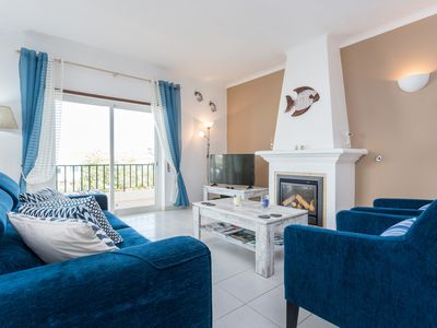 Photo for Contemporary 2 Bed apartment with Sea View in Central Luz