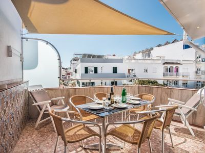 Photo for Perfect Location,close to lovely sandy beach & all amenities! Balcony & BBQ