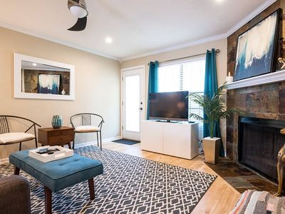 Photo for 2BR/2BA w/ pool close to downtown, walk to everything on South Congress