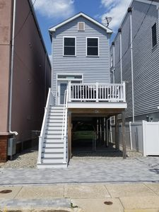 Photo for Seaside Heights quiet beach block with ocean views.