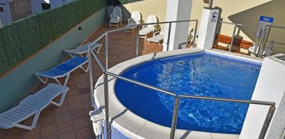 Photo for Nice apartment in Lloret of 6 Pers 2 bedrooms with pool and balcony.