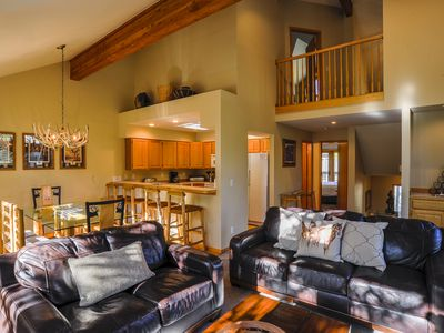 Photo for Highlander 324: 3 BR / 3 BA townhome in Breckenridge, Sleeps 8