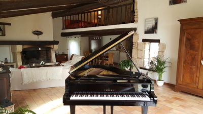 Photo for MAS XVIII: Piano + SPA + Pool with beach. Quiet 5 minutes from CAVAILLON Ville