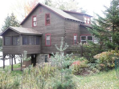 Family Reunion Waterfront Paradise!  Private Lake.  Boats included!