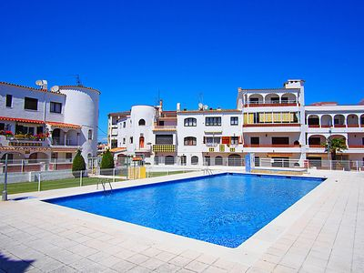 Photo for 2 bedroom Apartment, sleeps 4 in Empuriabrava with Pool and WiFi