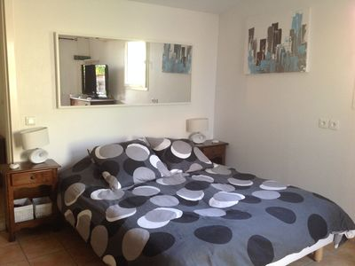 Photo for Independent room with air conditioning garden level. Between Cannes and grasse.