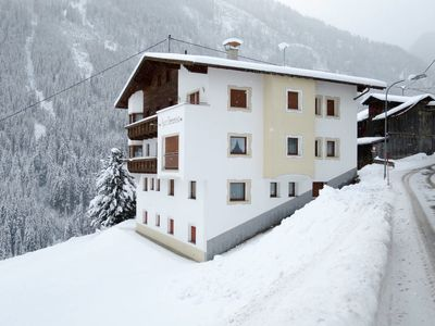 Photo for 2 bedroom Apartment, sleeps 4 in Raut with WiFi