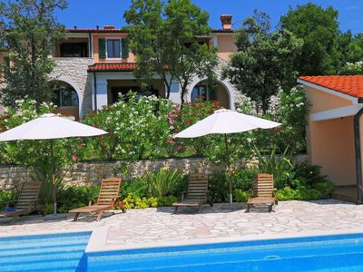 Photo for Wonderful private villa for 10 people with pool, A/C, WIFI, TV and parking