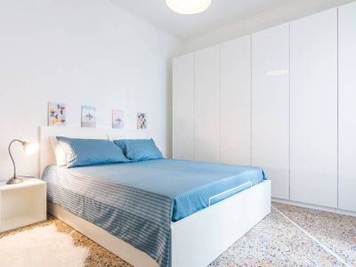 Photo for 2 Bedrooms apartment 200m from Fiera Milano City