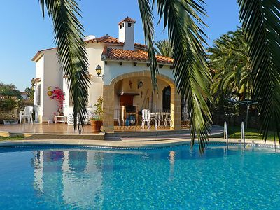 Photo for 3 bedroom Villa, sleeps 6 in Las Bovetes with Pool, Air Con and WiFi