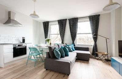 Photo for The Love Walk 3 bedroom Apartment - Apartment for 8 people in London