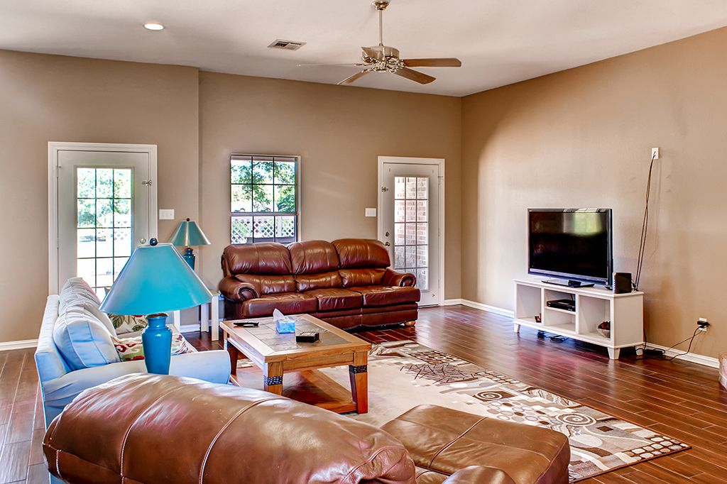 4BR Waco Riverfront House Perfect for Game Days!