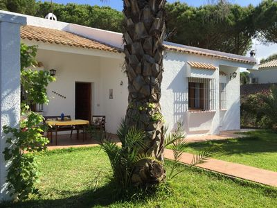 Photo for Detached holiday home located in Roche within walking distance from the beach