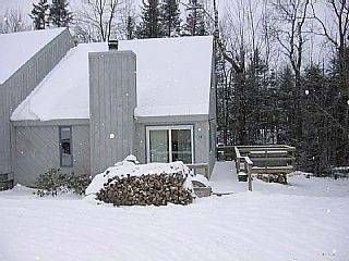 Photo for Mt. Snow Townhouse -2 Miles to Mt. Snow, Outdoor Hottub, 2 fireplaces