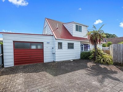 Photo for Julio's Haven - Mount Maunganui Holiday Home