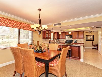 Photo for Quite a looker!  1st floor unit, free wi-fi, cable tv, central ac and private beach access