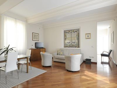 Photo for Spacious Santo Stefano I apartment in Bologna with WiFi & lift.
