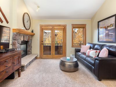 Photo for River Run Condo, Updated Kitchen, King Bed, Village Views, Free WIFI