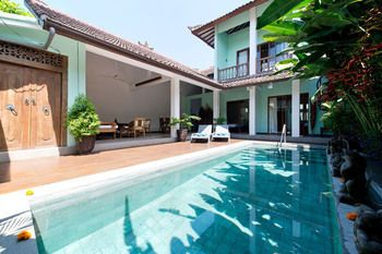 Photo for Villa Catalina - In Seminyak (Sunset Road)