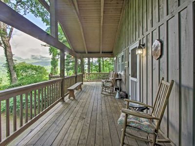 Photo for 'Summit Splendor' Smoky Mountain Cabin w/ Views!