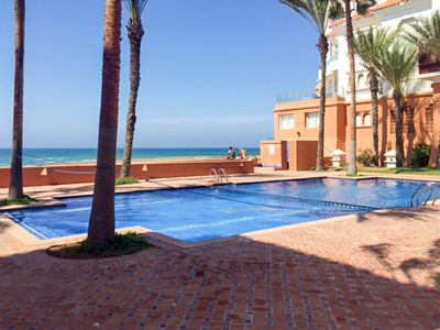 Homerez last minute deal - Amazing apt with shared pool and Wifi
