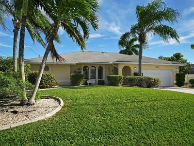 Photo for Charming Florida house with huge pool and access to the Gulf of Mexico