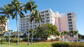 Spectacular Marco Island Beachfront Condo - Watch The Sunset Every Night