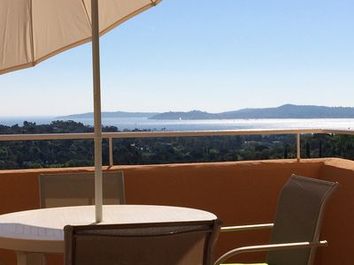 Photo for Gulf of Saint-Tropez - Apartment T2 Air Conditioned - Full Sea View